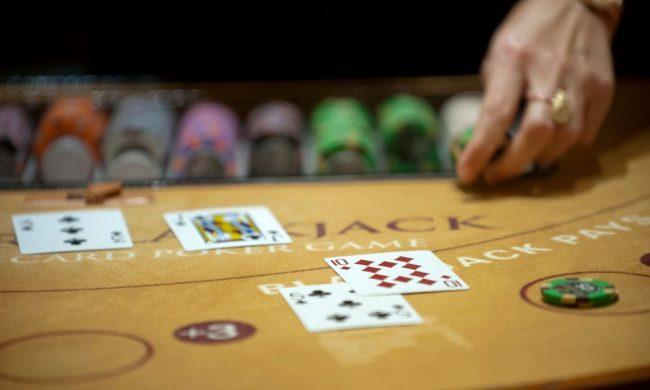 How to Win Online Blackjack